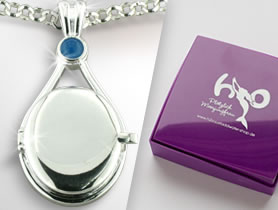 H2O Just Add Water 바탕화면 entitled Cleo's Locket