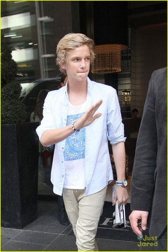 Cody Simpson: 'Not Just You' Video Shoot Pics!