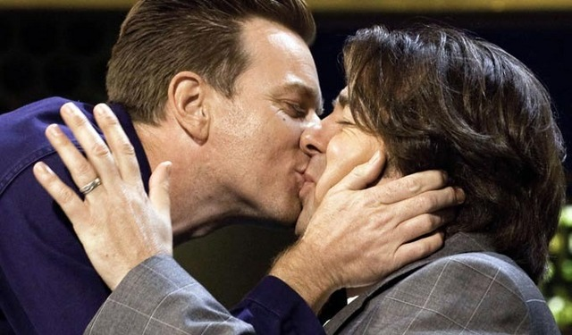 Ewan kissing Jonathan Ross