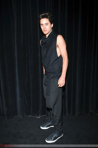 Givenchy Fashion tampil - Paris - 02 Oct 2011