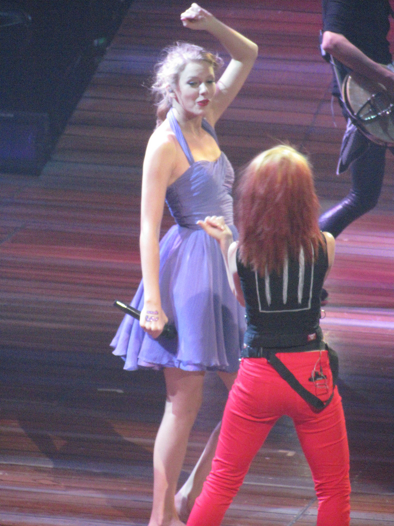 Hayley And Taylor Swift - Hayley Williams Photo (25812901 ...