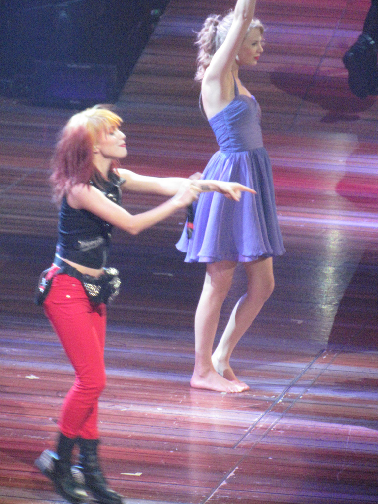 Hayley And Taylor Swift - Hayley Williams Photo (25812904 ...
