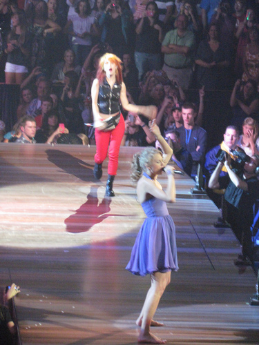 Hayley And Taylor rapide, swift