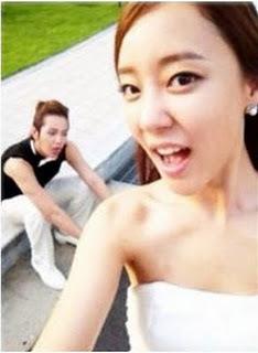 Jang Geun Suk & Woori selca