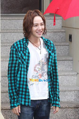Jang Geun Suk on set