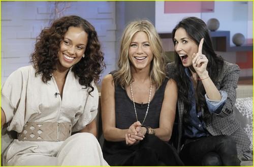 Jennifer Aniston Promotes 'Five' on 'Good Morning America'