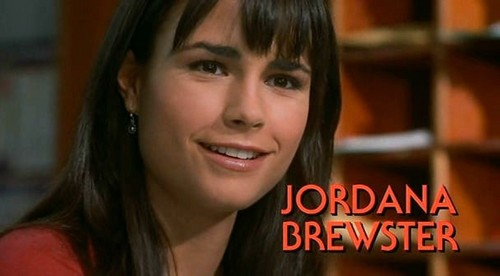 Jordana Brewster wallpaper containing a portrait entitled Jordana Brewster ♥