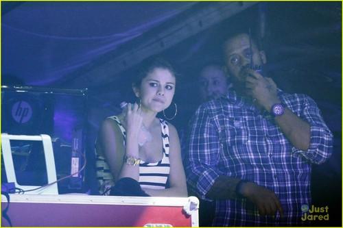 Justin Bieber & Selena Gomez: makan malam, majlis makan malam tarikh in Rio!