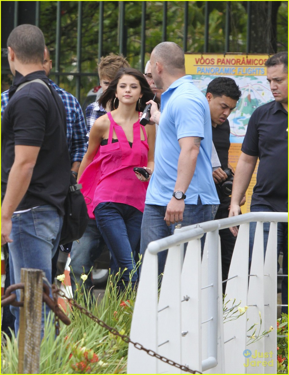 Justin Bieber & Selena Gomez: Helicopter Ride!
