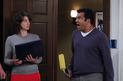 "Kal Penn in a Promotional 写真 for 7x06 ""Mystery VS History"" ~ 'How I Met Your Mother'"