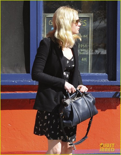 Kirsten Dunst: Downtown NYC with Friends!