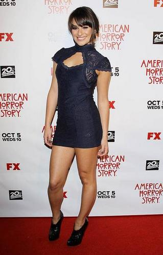 "《美国恐怖故事》 壁纸 possibly containing bare legs, hosiery, and a leotard entitled Lea Michele at the debut of ""American Horror Story."""