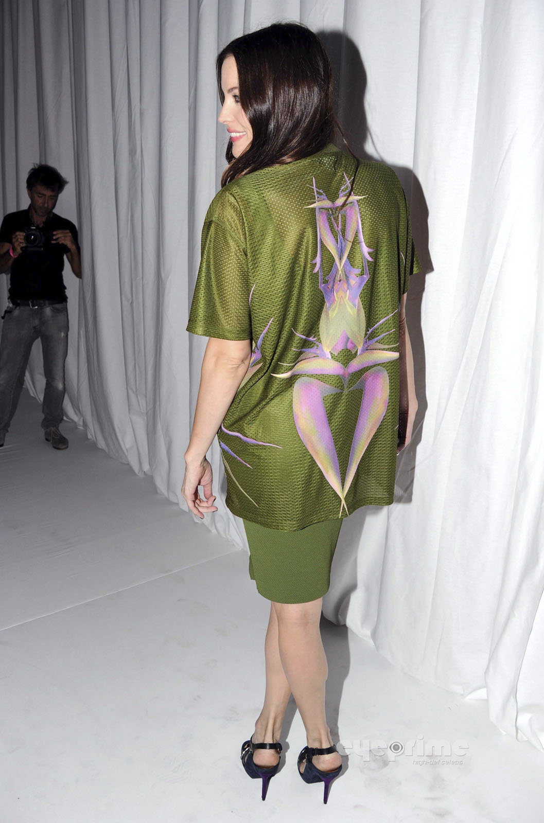 Liv Tyler: Givenchy প্রদর্শনী during Paris Fashion Week, Oct 2