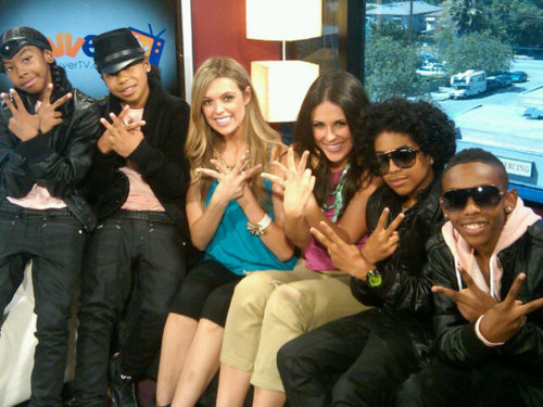 Mindless Behavior wallpaper containing a business suit called MINDLESS BEHAVIOR ON CLEVER TV WHEN THEY WERE 13