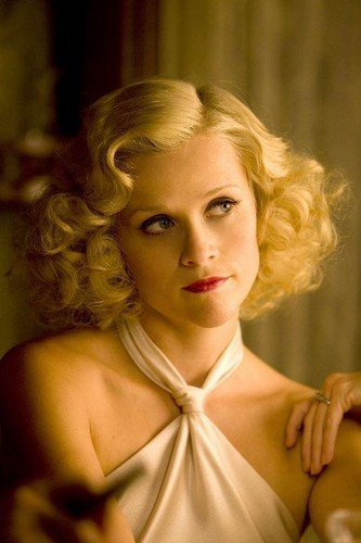 Water for Elephants fond d'écran possibly containing a portrait titled Marlena stills