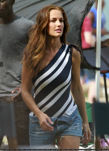 Minka Kelly (October 4)