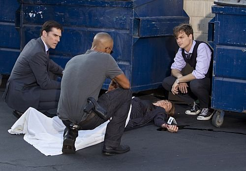 Criminal Minds wallpaper with a dumpster called Promotional Episode Photos | Episode 7.05 - From Childhoods Hour