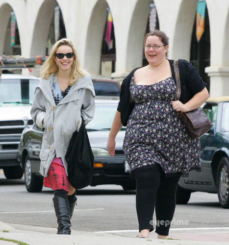 Rachel McAdams seen out shopping in L.A, Oct 4