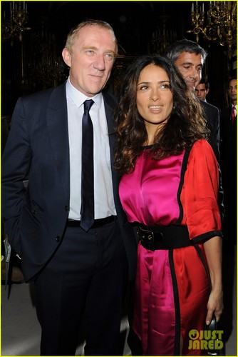 Salma Hayek: Front Row at Stella McCartney Show!