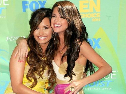 Selena&Demi fond d'écran ❤