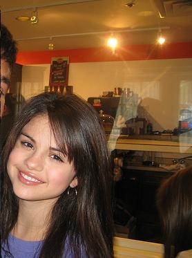 Selena ♥ Gomez cutie..