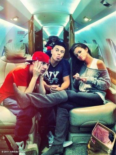 Selena n I