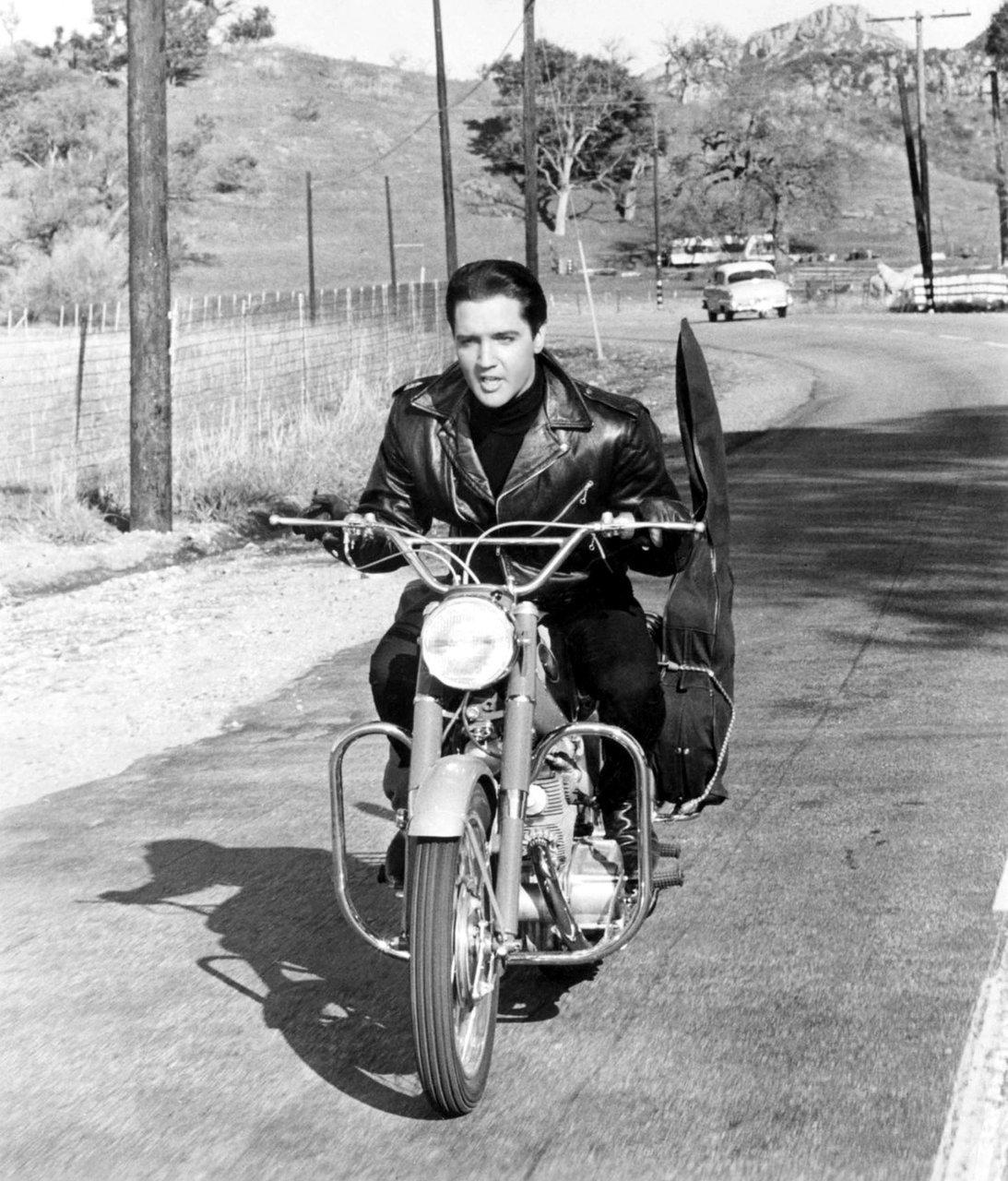 Elvis Elvis Presley Photo 25953131 Fanpop
