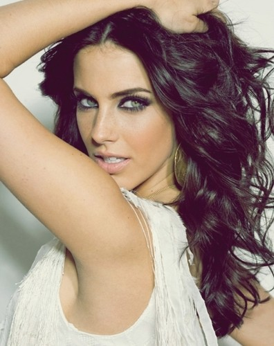 Jessica Lowndes Обои containing a portrait entitled ► jessica lowndes;