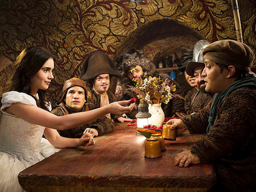 7 dwarfs and snow white - the-brothers-grimm-snow-white-2012 Photo
