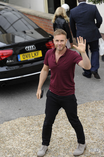 Gary Barlow images Arriving at Fountain Studios 8th October HD wallpaper and background photos