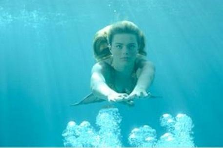 Bella~Swimming underwater