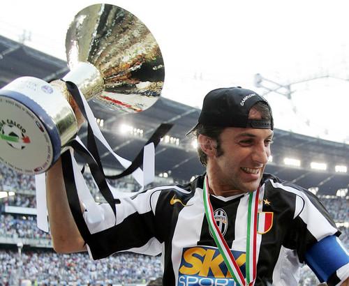 Del Piero kertas-kertas dinding