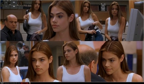 sinema ya kutisha karatasi la kupamba ukuta probably with a portrait called Denise Richards - Valentine (2001)