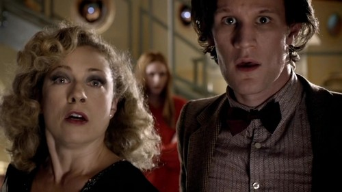 The Doctor and River Song karatasi la kupamba ukuta containing a portrait entitled Doctor/River - 5x04 - Time Of The Angels