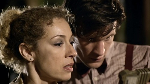 The Doctor and River Song پیپر وال with a portrait called Doctor/River - 5x05 - Flesh And Stone