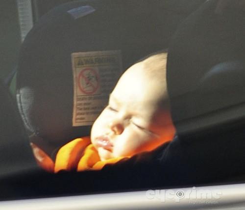 Evi & Baby Kali Depart LAX, Oct 7