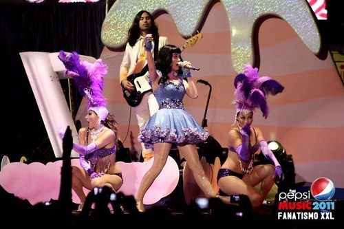 Katy Perry LIVE on Argentina