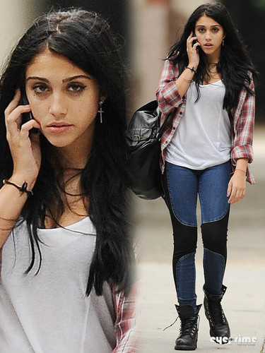Lourdes Ciccone Leon wallpaper containing a portrait entitled Lourdes Leon spotted out in New York, Sep 20