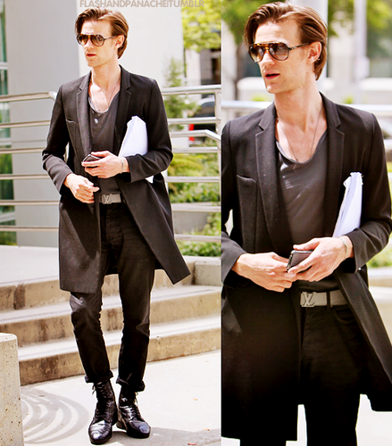 Matt Smith 壁纸 containing a business suit, a well dressed person, and a suit entitled Matt Smith♥