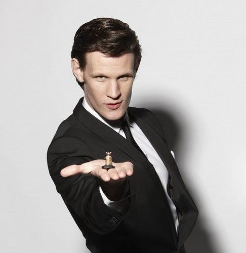 Matt Smith 壁纸 possibly containing a well dressed person and a business suit entitled Matt♥
