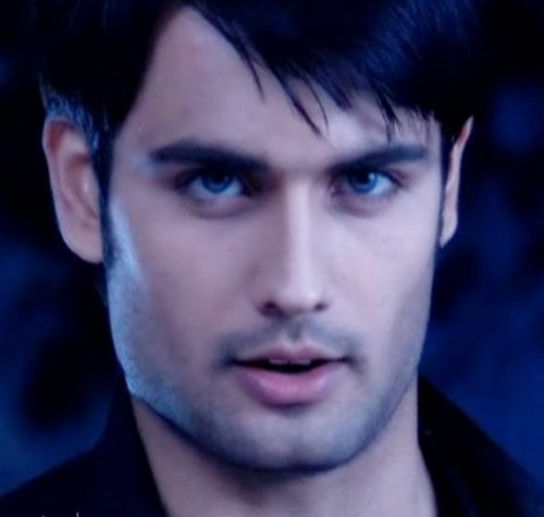 VIVIAN DSENA  - pyaar-kii-ye-ek-kahani-by-pialy Photo