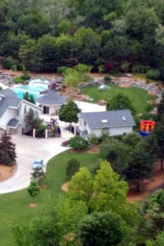 EMINEM wolpeyper possibly with a resort entitled his house in michigan