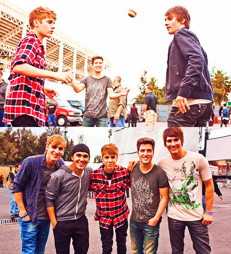 justin bieber and big time rush :)