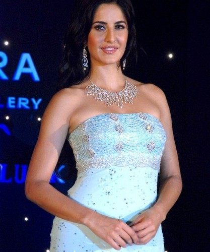 Katrina Kaif karatasi la kupamba ukuta possibly with a chajio, chakula cha jioni dress, a cocktail dress, and a kanzu, gown titled the amazing kat