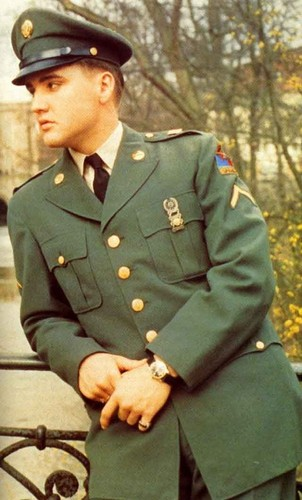 Elvis Presley wallpaper with a green beret, fatigues, and battle dress called ☆ Elvis