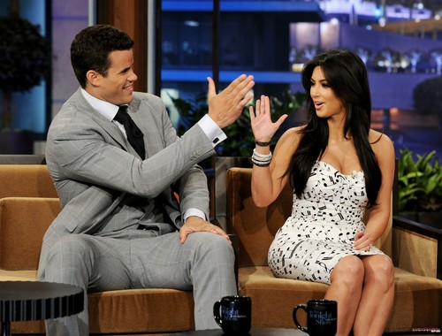 Kim and Kris on The Tonight Show with Jay Leno - 04/10/2011 - kim-kardashian Photo