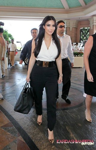 Kim arrives at the Atlantis Palms hotel in Dubai - 12/10/2011