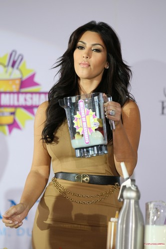 Kim Kardashian wallpaper called  Millions of Milkshakes press conference in Dubai - 13/10/2011
