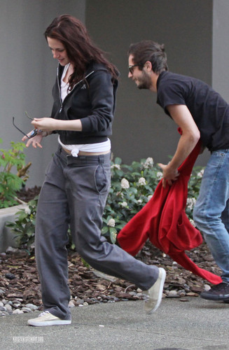 2009 April 25 - Out With Michael Angarano In Vancouver (HQ)