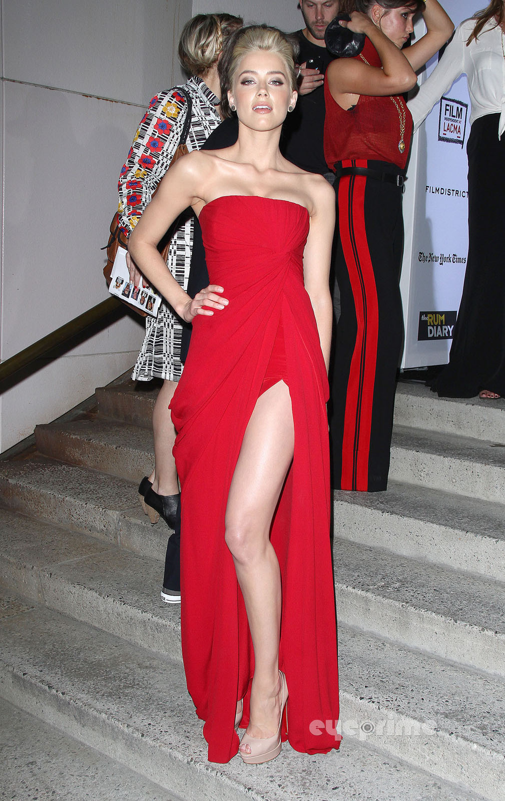 """Amber Heard: """"The Rum Diary"""" Premiere in Hollywood, Oct 13"""